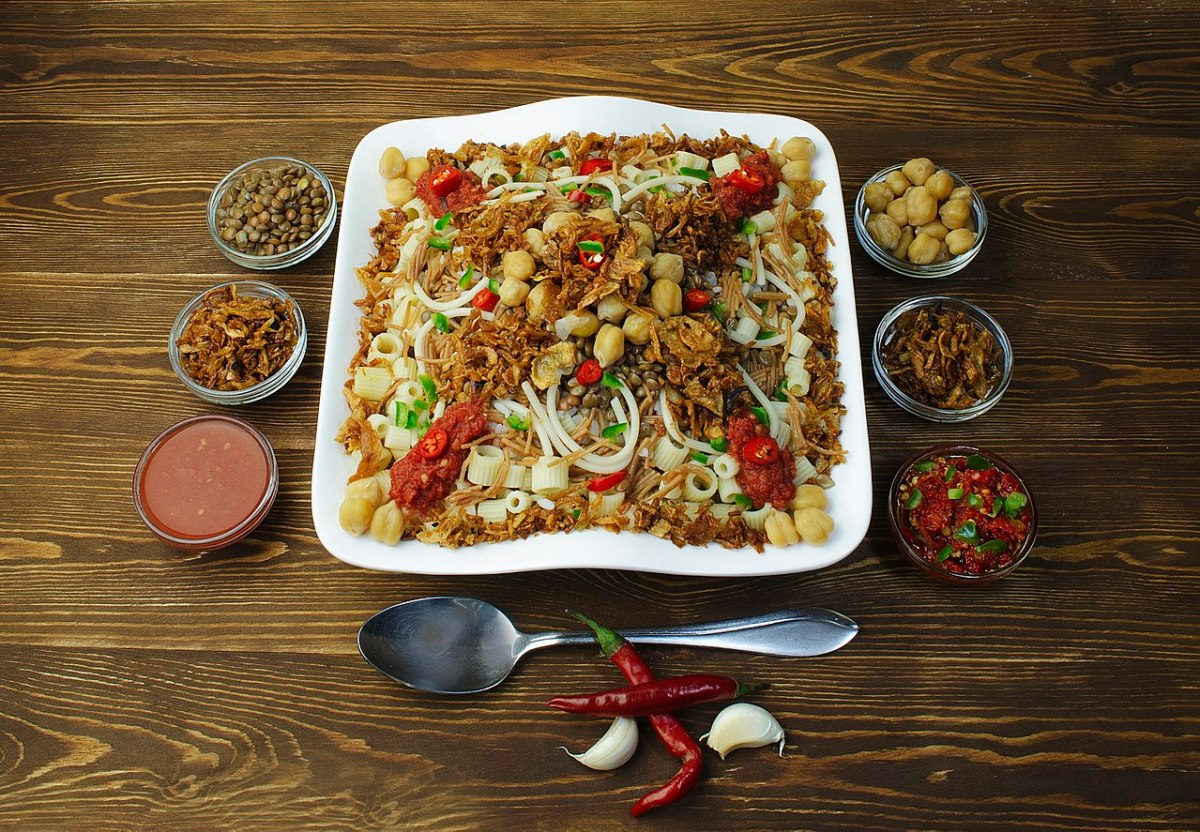 1280px-Egyptian_food_Koshary